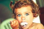 Una nutrición adecuada para los niños: ¿Cómo enseñar a su hijo a comer y qué debe comer?