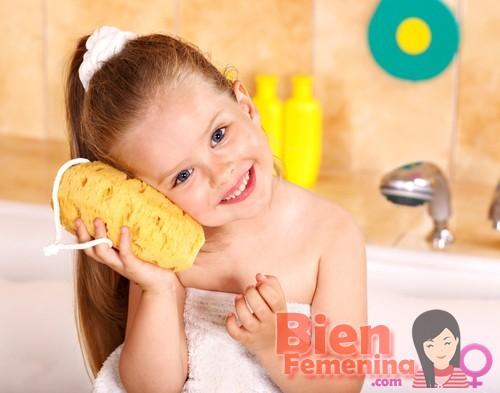 Cómo enseñar a tu hijo higiene personal