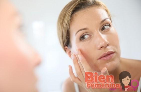 8 hábitos que causan las arrugas