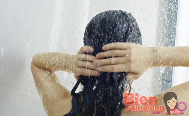 4 consejos para prevenir el acné en el pecho